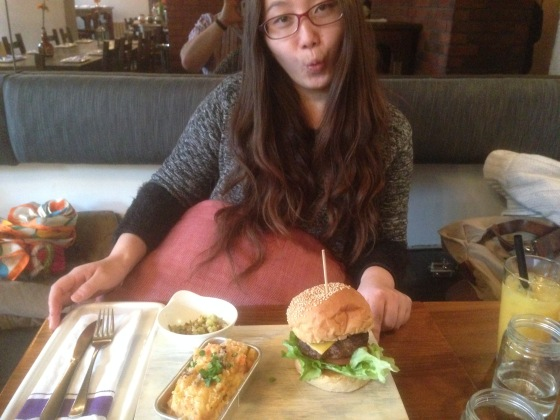 Burger as big as her head